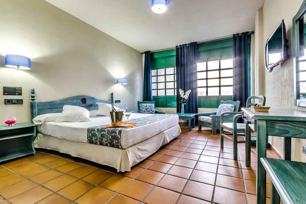 hotel-almagro